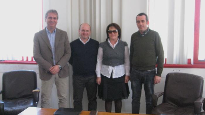 Da sinistra Fausto Paciotti ed Alfredo Santarelli dell'Aes Tecnology, il sindaco Patrizia Rossini e l'assessore Mirko Corradetti