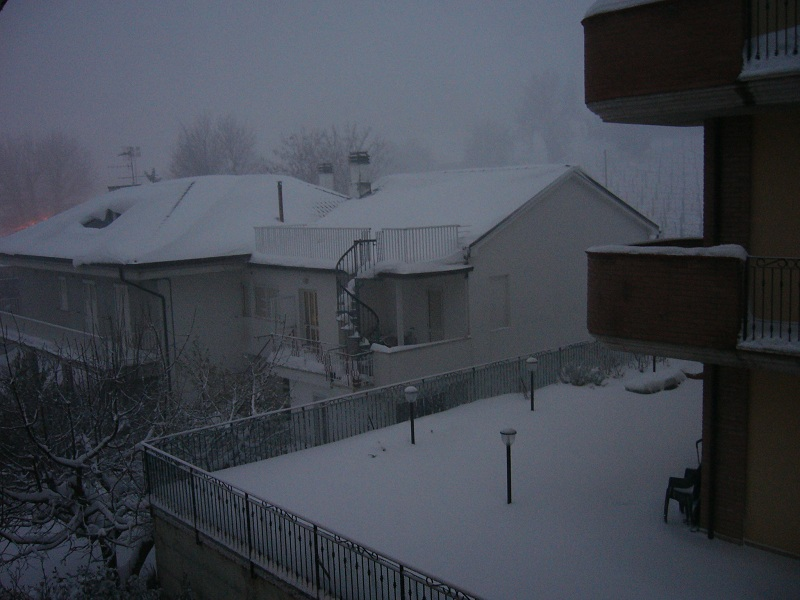 Neve, Acquaviva, 12 febbraio 2012 foto Vinicio Colletta 1