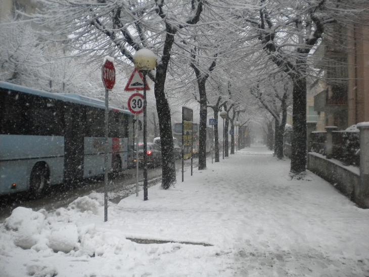 Neve Ascoli, viale Marconi, febbraio 2012