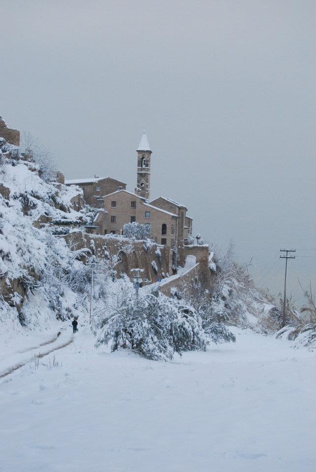 Neve a Cupra Marittima, paese alto, 8 febbraio 2012, foto di Valeria Fabioneri