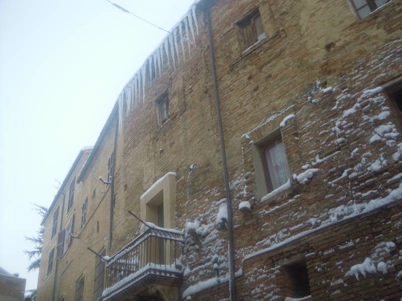 Neve a Monsampolo, cascata di ghiaccioli, 10 febbraio 2012, Paola Panarese