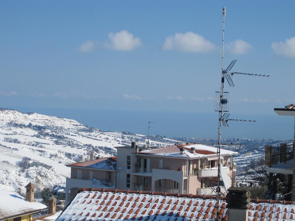 Neve a Monteprandone, 11 febbraio 2012 foto famiglia Menzietti N. 3