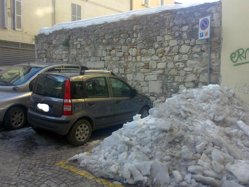 Neve ad Ascoli, rua Galeotto Malatesta (fonte Fb)