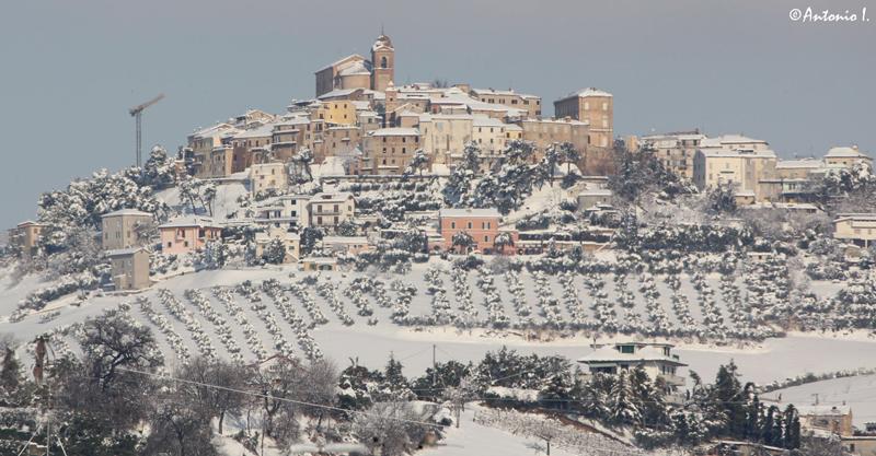 Panoramica su Monteprandone. 12 febbraio 2012, la neve vista da Antonio I.