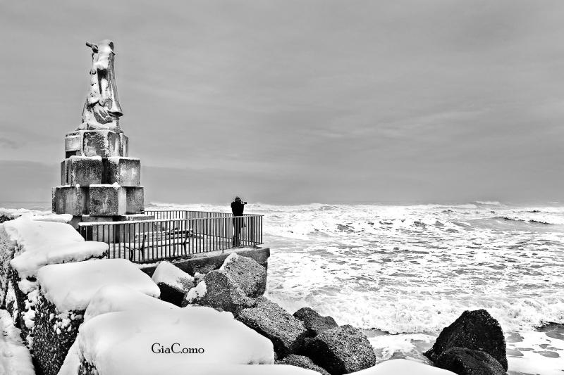 San Benedetto, monumento del Pescatore, 10 febbraio 2012, Giacomo Curzi