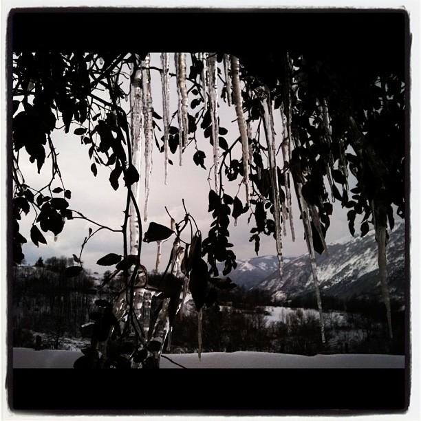 Spelonga, neve, Appennini e stalattiti, 11 febbraio 2012 (valentina filiaggi)