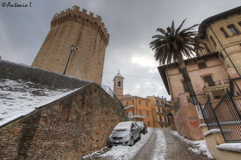 Torrione, il Campanile di SBT. 12 febbraio 2012, la neve vista da Antonio I.