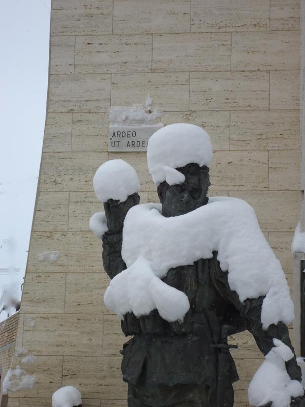 Foto di Corrado Cocconi: scherzi della neve a Monsampolo. 12 febbraio 2012