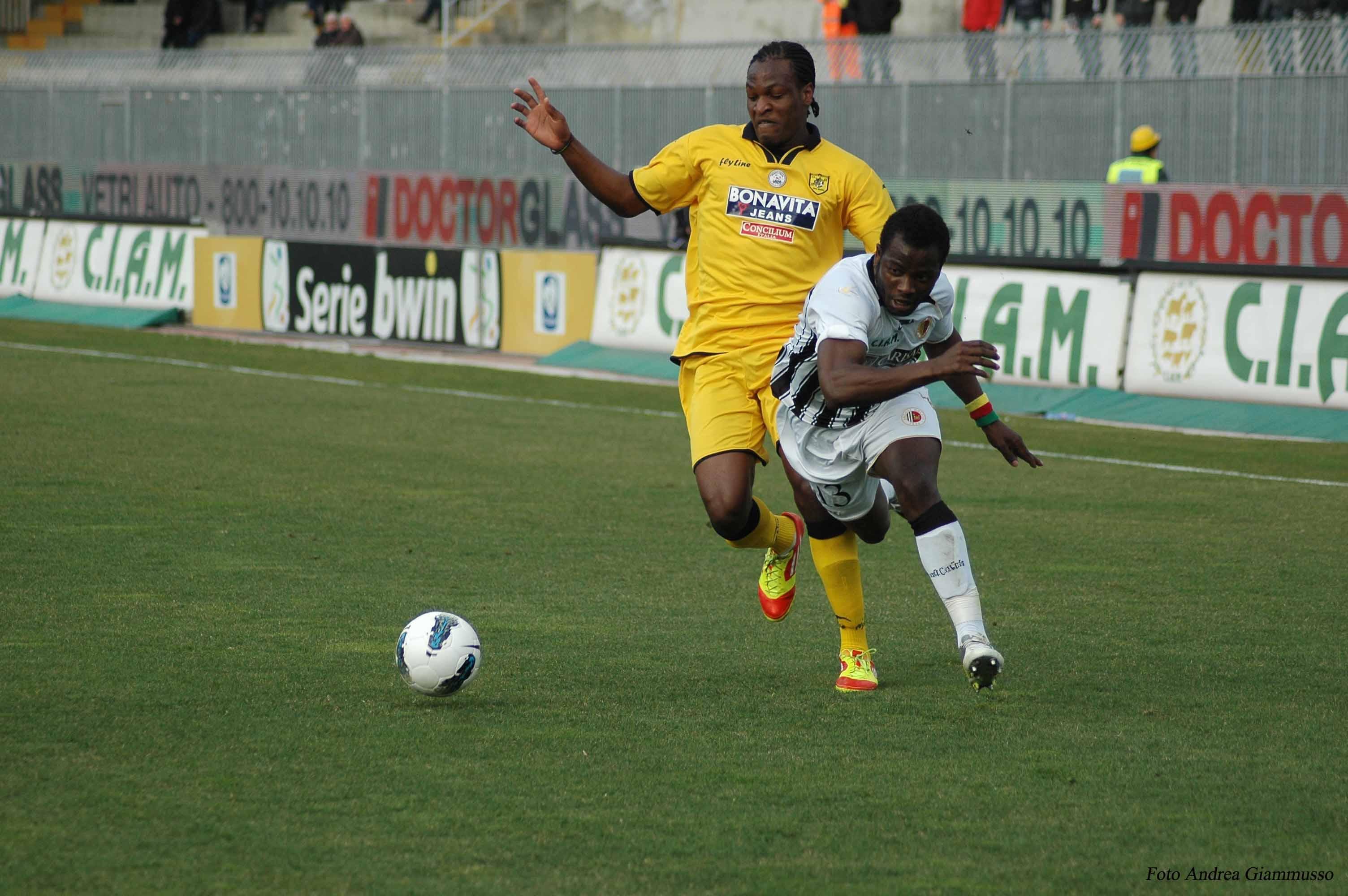 Mbakogu atterra Parfait per l'arbitro tutto regolare (giammusso)