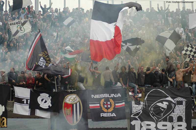 I tifosi del Picchio (Ph. Giammusso)