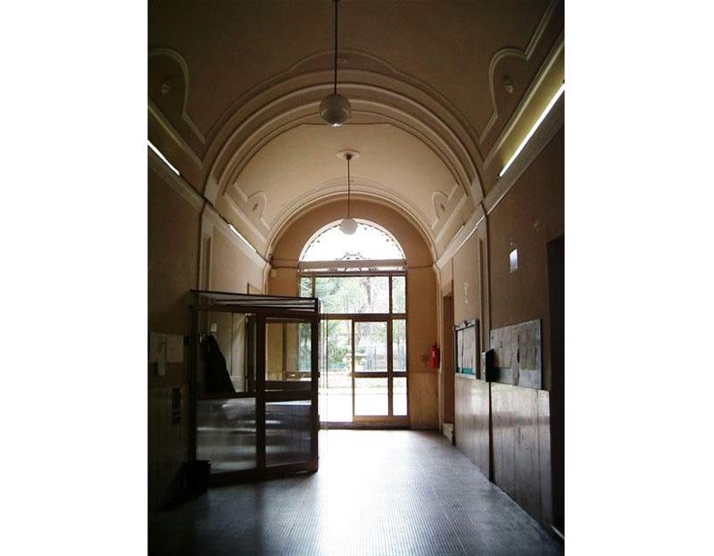L'edificio ex sede dell'Istituto Tecnico per Geometri