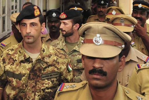 I marò italiani arrestati in India (AP Photo)