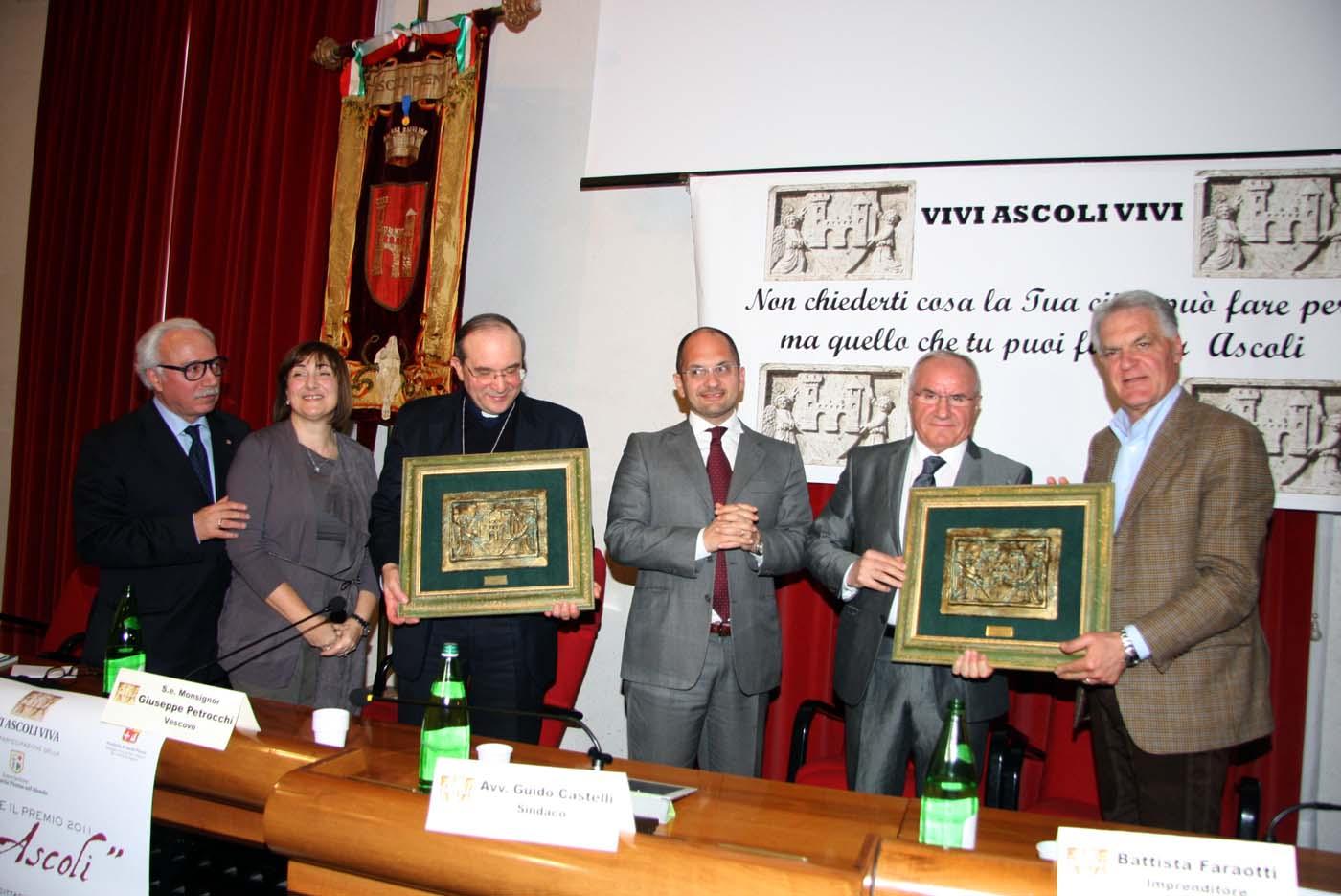 La premiazione di 'Vivi Ascoli 2011' a Palazzo dei Capitani