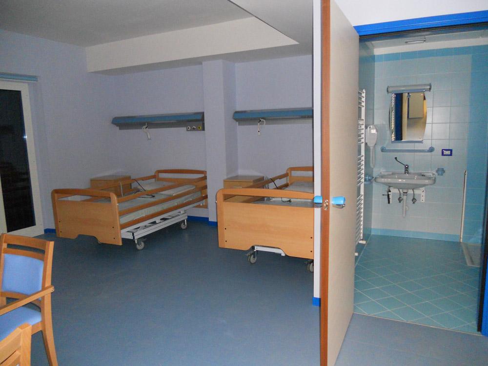 Una stanza della residenza completa di servizi