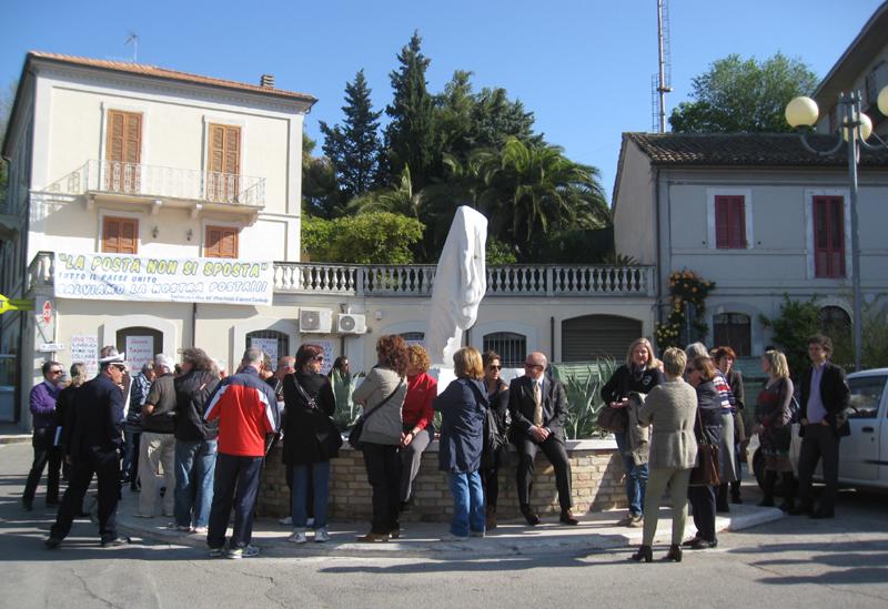 Protesta contro la chiusura delle Poste a Spinetoli
