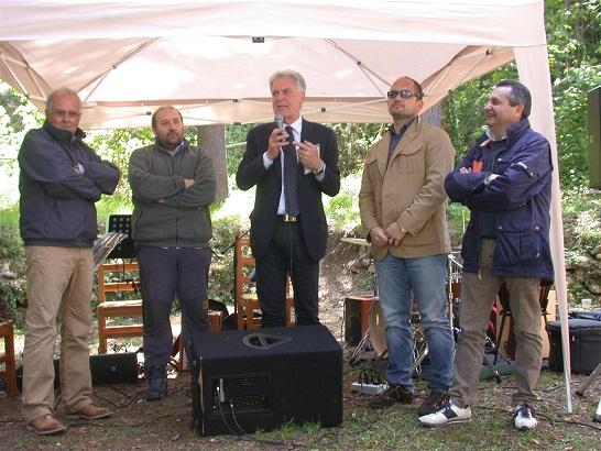 Autorità e organizzatori al festival dell'appennino