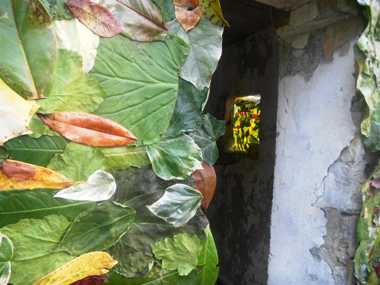 Una residenza di foglie fra le opere d'arte del Colle San Marco