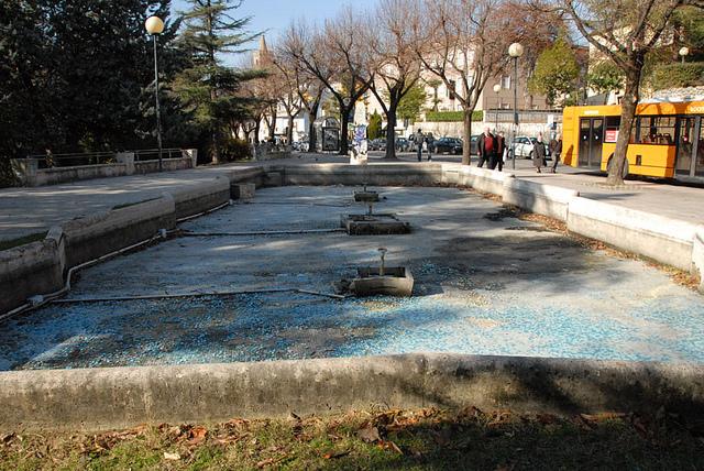 La fontana in viale De Gasperi
