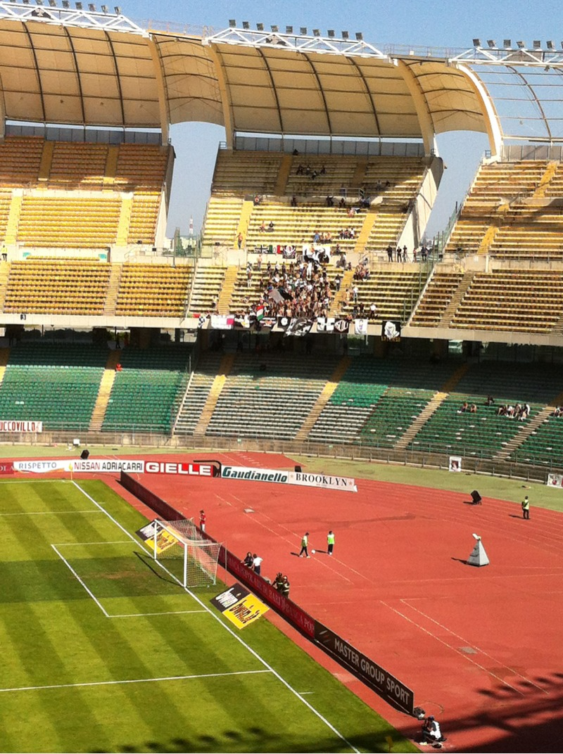I circa 100 tifosi giunti dal Piceno