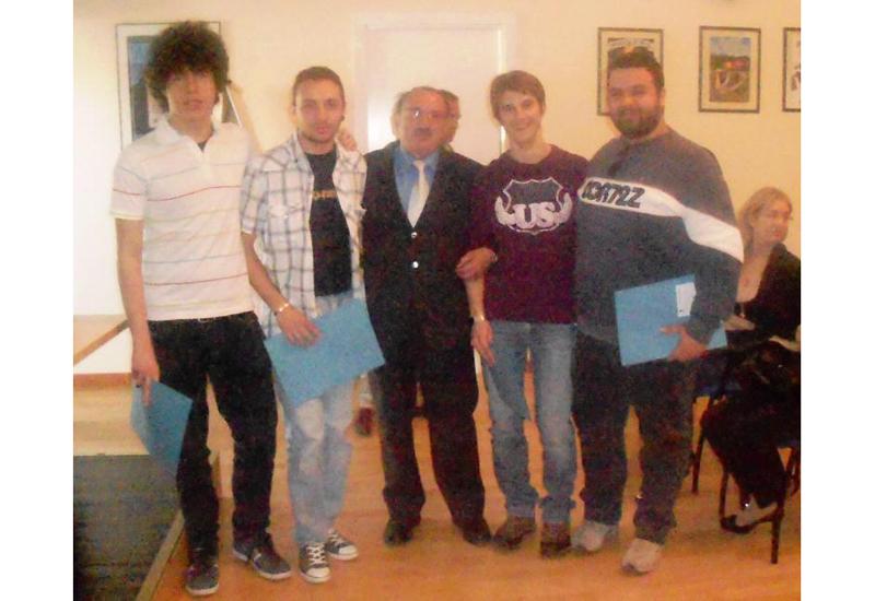 L'assessore Petrucci con gli studenti