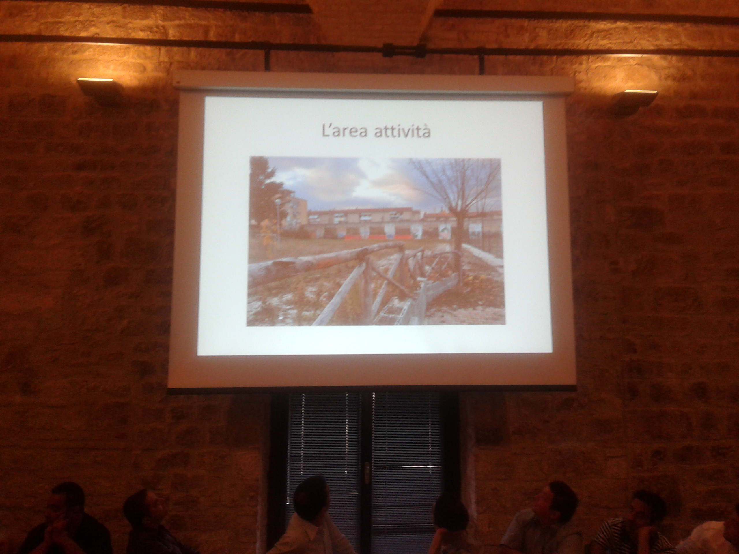 Una slide dell'inizio dei lavori