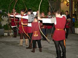 Un gruppo di arcieri
