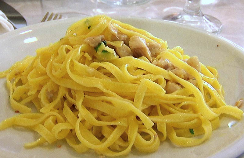 Piatto di pasta, gita di Vivendo il Piceno in percorsi sorsi e morsi