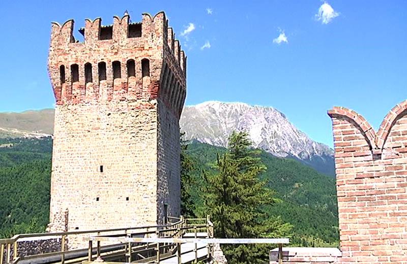 Rocca di Arquata, gita di Vivendo il Piceno in percorsi sorsi e morsi