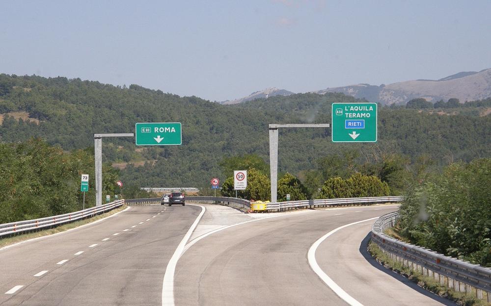 Autostrada A25 (Foto www.terremarsicane.it)
