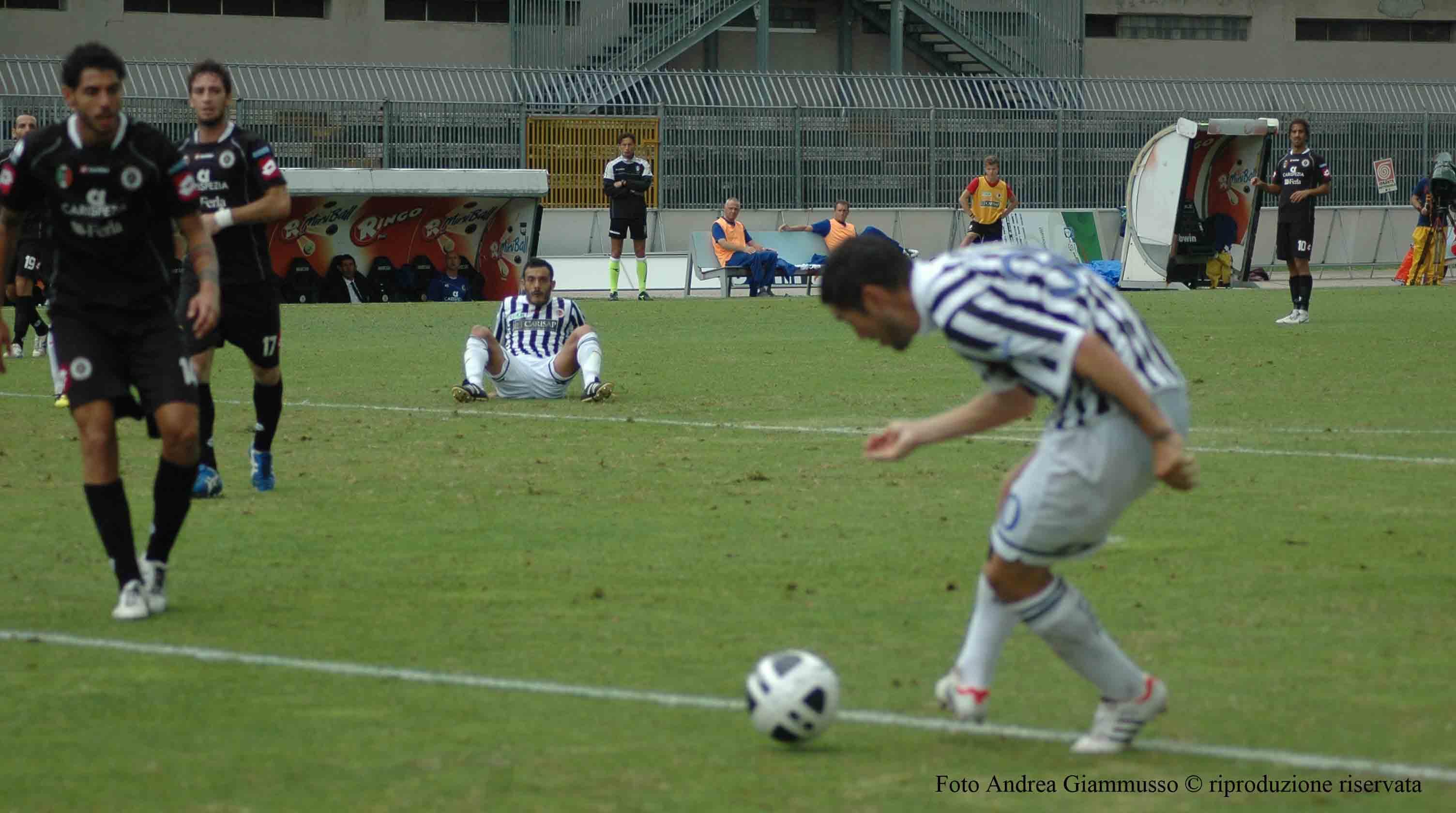 Ascoli-La Spezia, il gol di Feczesin