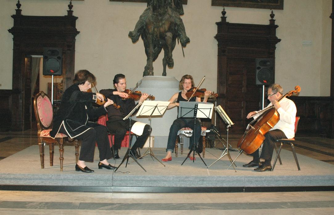 Musicisti durante un concerto
