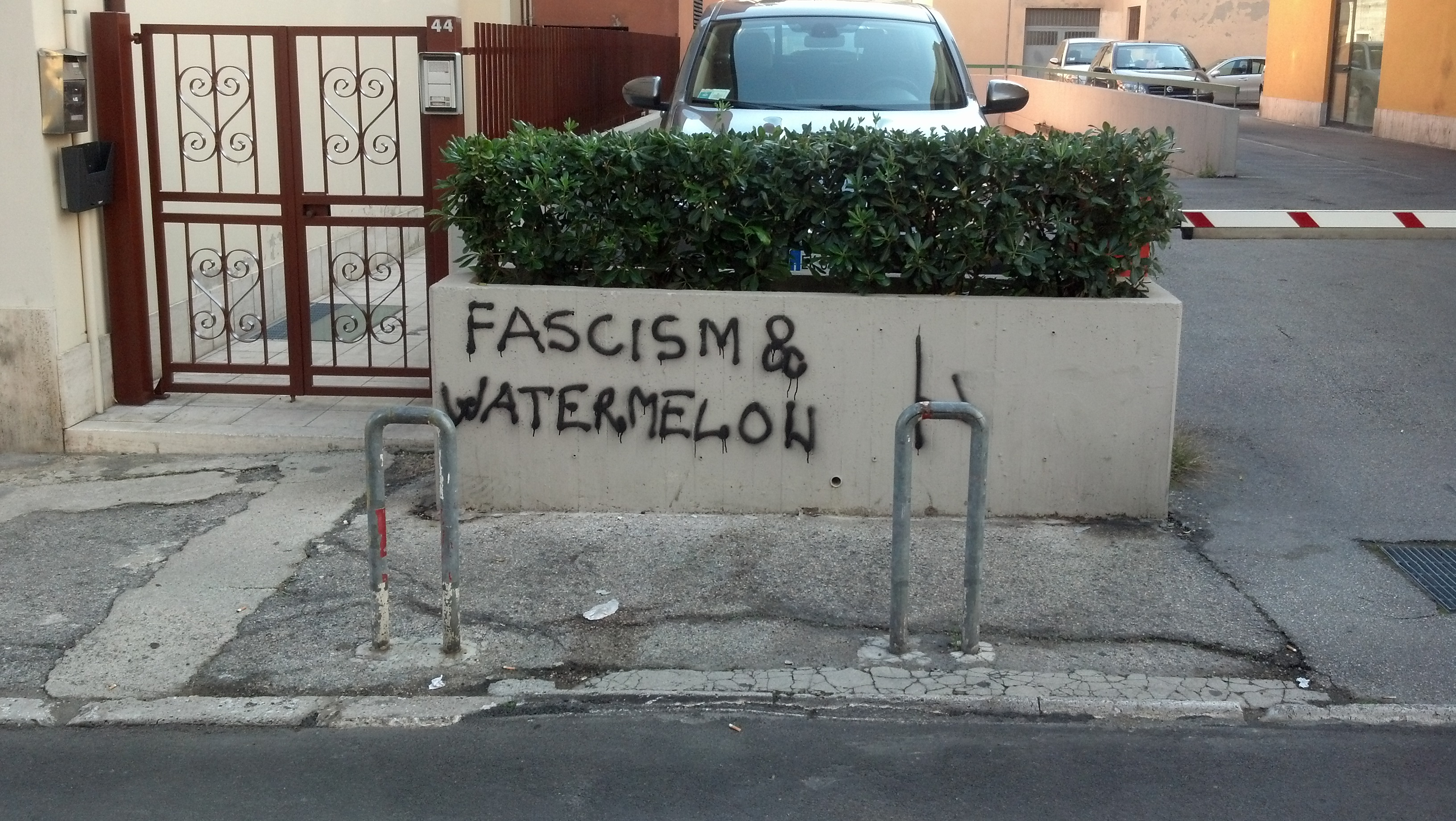 Graffiti ad Ascoli, ottobre 2012 34