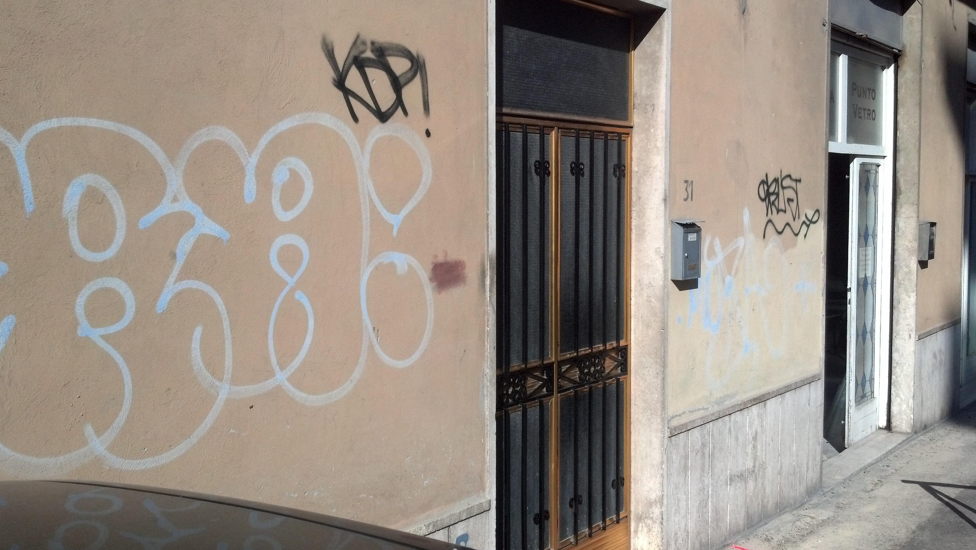 Graffiti ad Ascoli, ottobre 2012 31