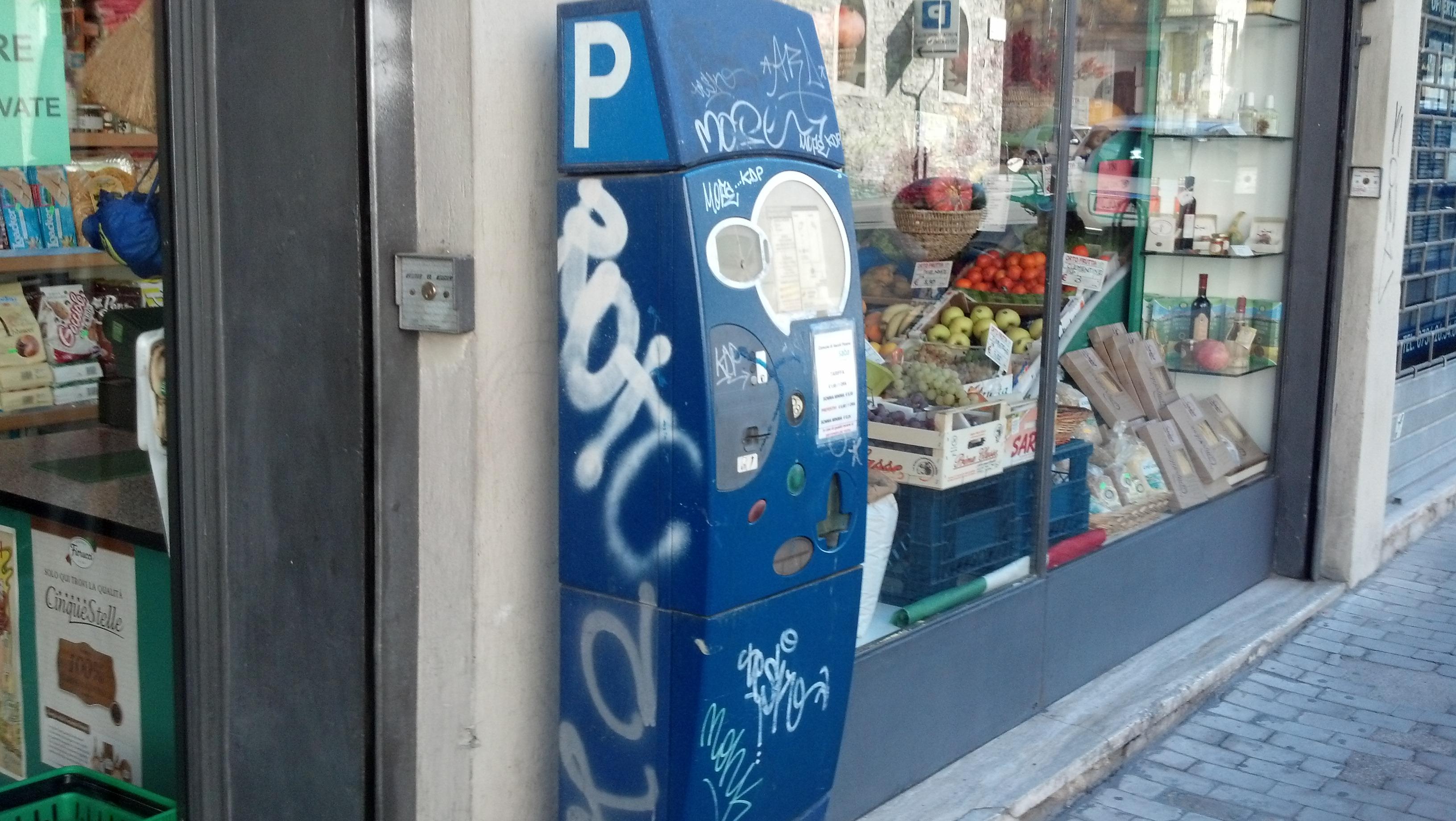 Graffiti ad Ascoli, ottobre 2012 17
