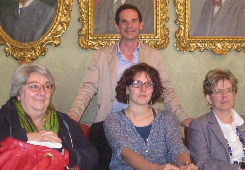 Al Femminile, associazione teatrale di Amandola. Stefano Papetti e, da sinistra, Alberta Fanini, Alice Corradini e Tiziana Tendoni