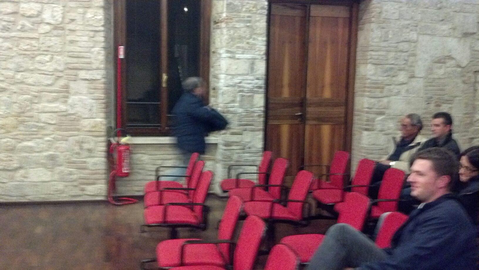 D'Isidoro abbandona il consiglio comunale del 31 ottobre
