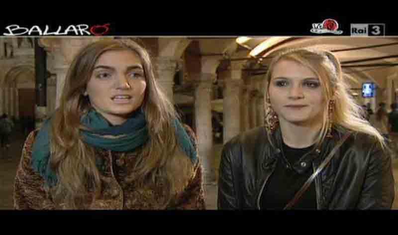 Due ragazze intervistata da Vicsia Portel per Ballarò