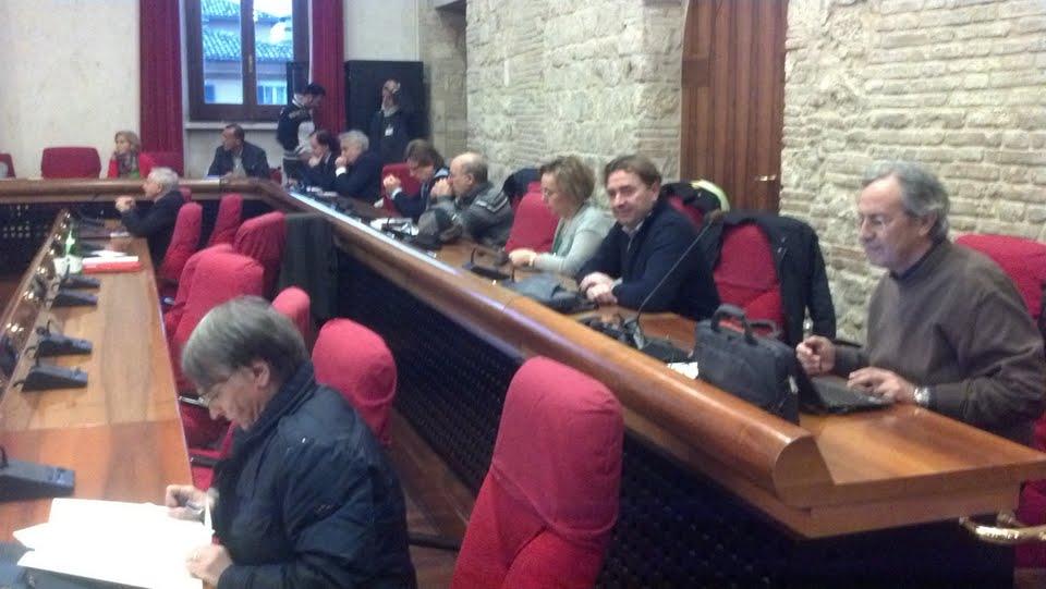 I banchi dell'opposizione. Tra gli altri, Pietracci, D'Isidoro, Bellini