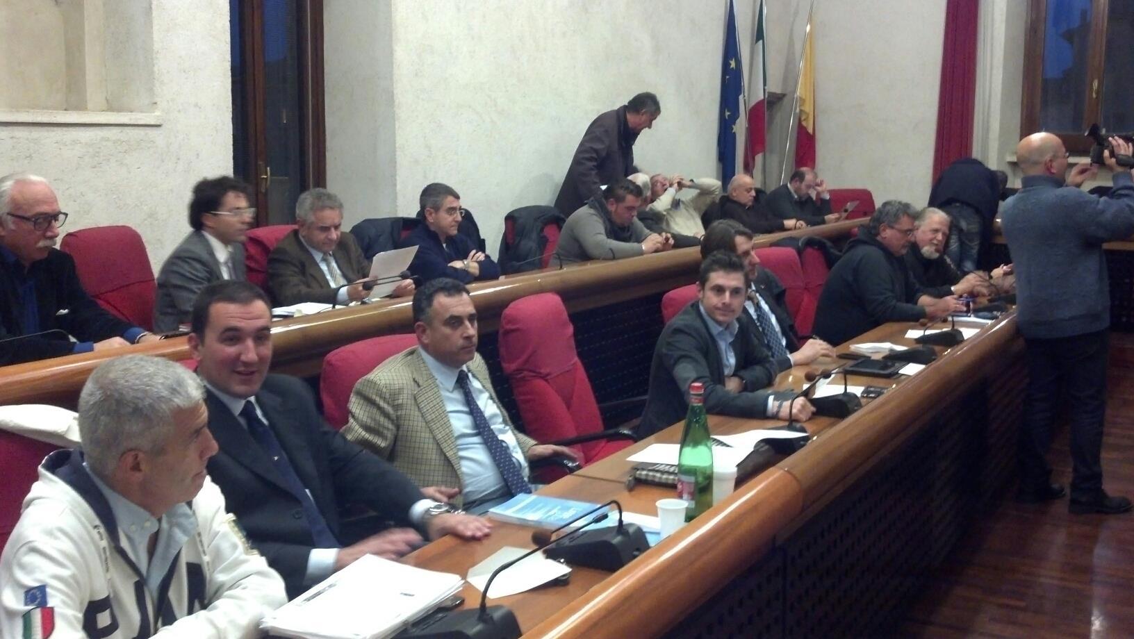 Consiglio comunale ad Ascoli, i banchi del centrodestra
