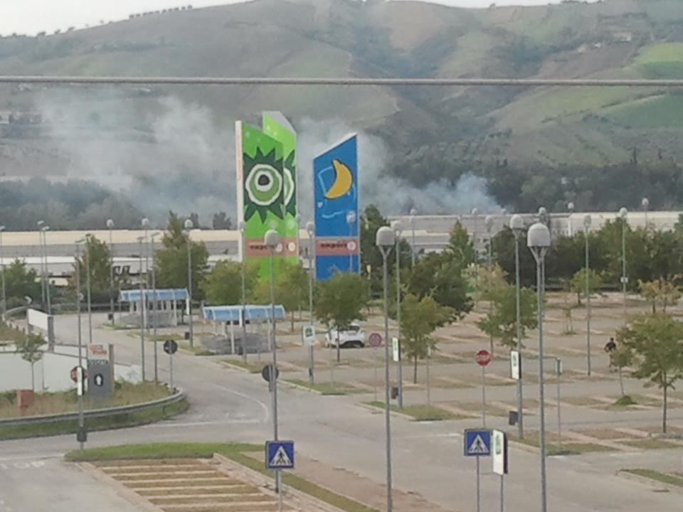 Fumi Ocma (fotografati l'11 ottobre 2012 dal Comitato antinquinamento Castel di Lama)