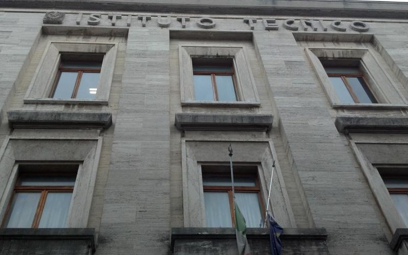 Istituto Tecnico Commerciale e per Geometri Umberto I°