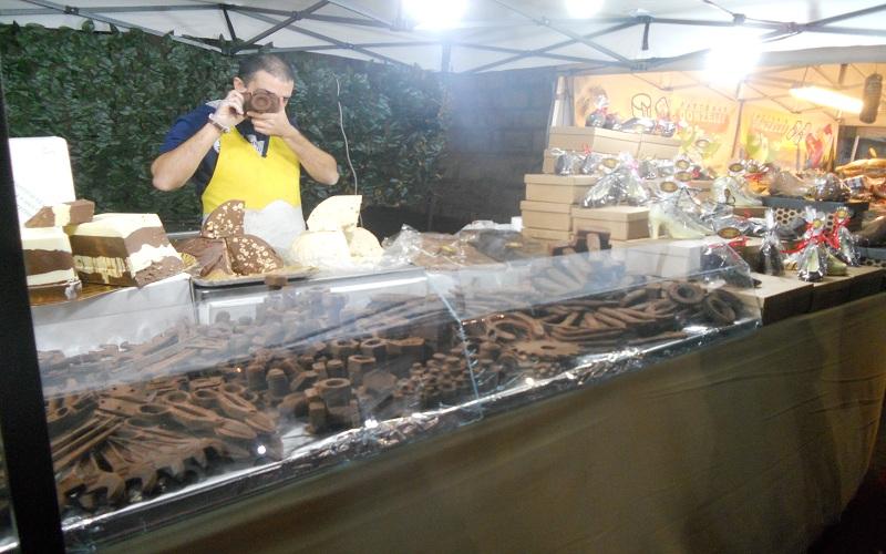 Piazza Arringo: simpatico commerciante di cioccolata
