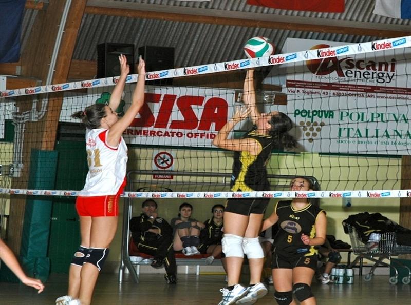 Un momento di Santa Maria Volley-Offida volley