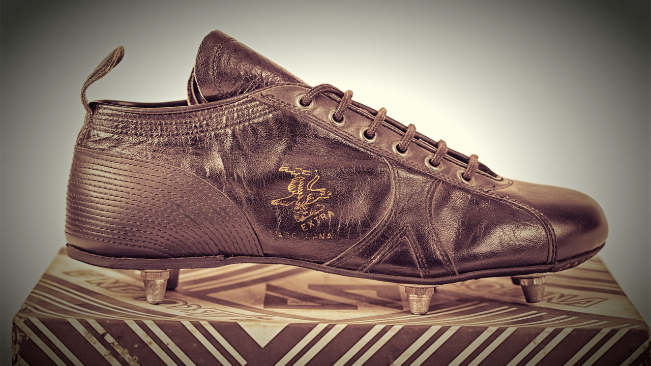 Una scarpa del marchio l'Ascolana