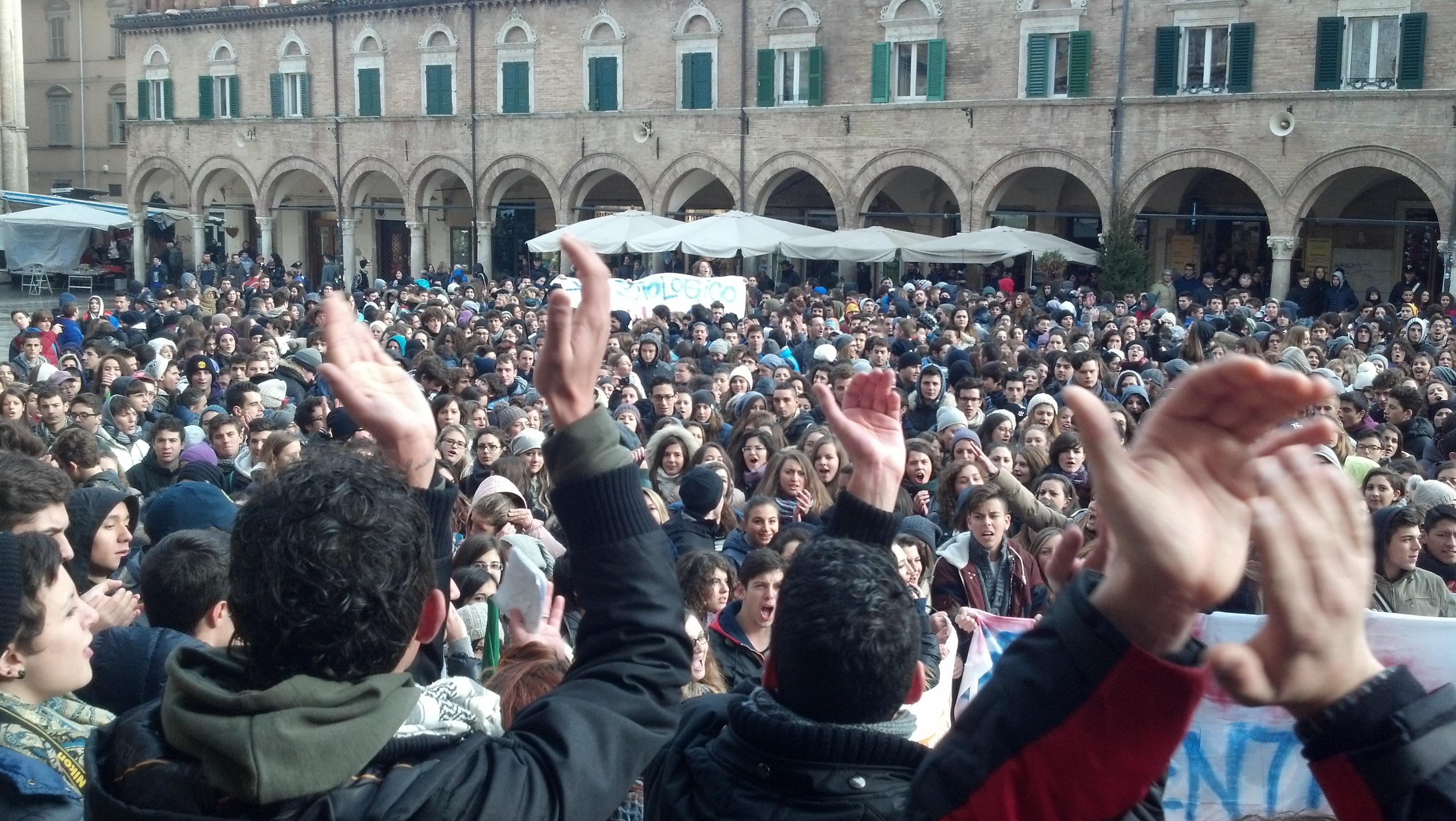 Protesta degli studenti in Piazza del Popolo, 3 dicembre