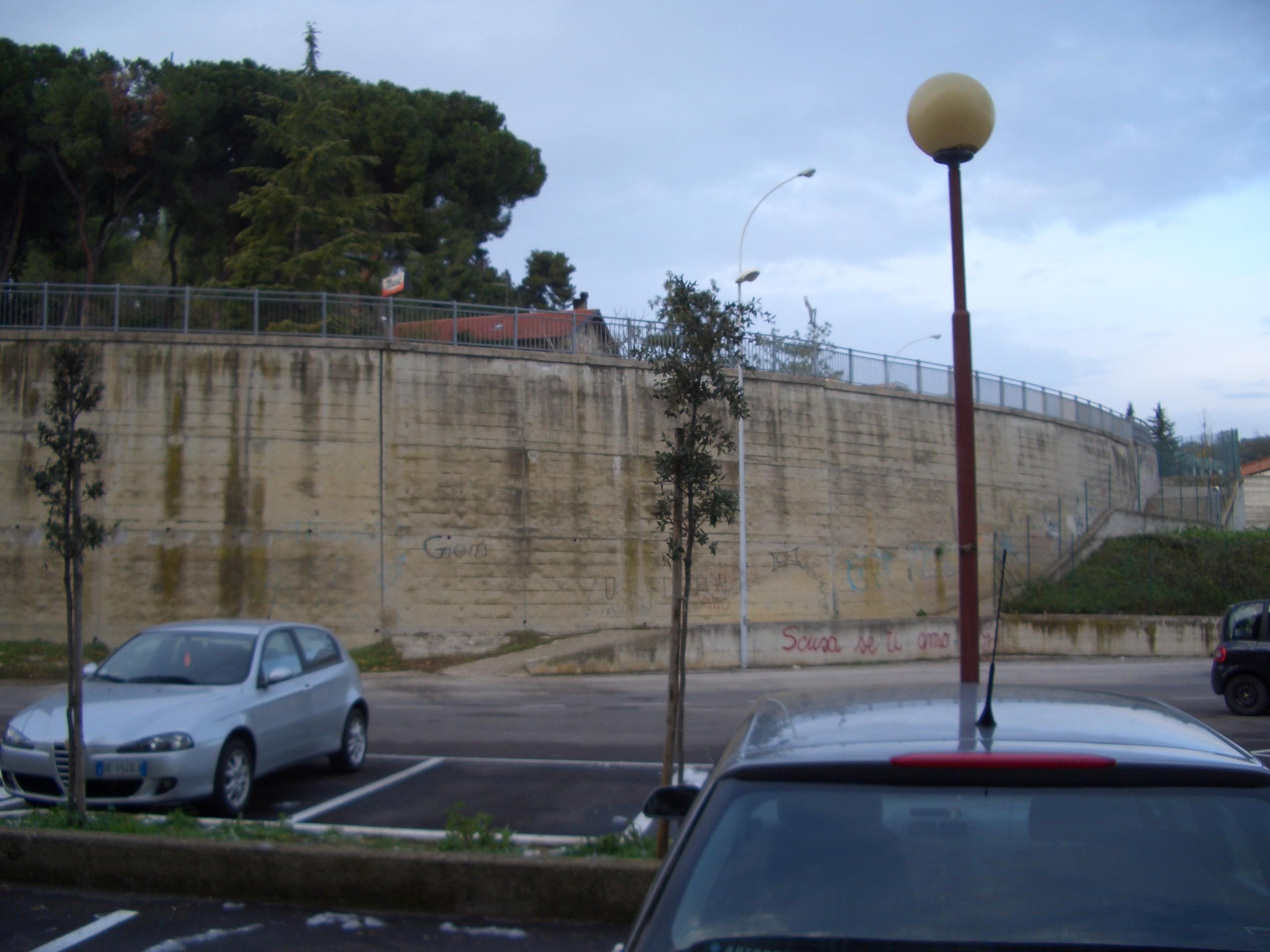 Monticelli, via che sprofonda tra via delle Begonie e Largo dei Fiordalisi 10
