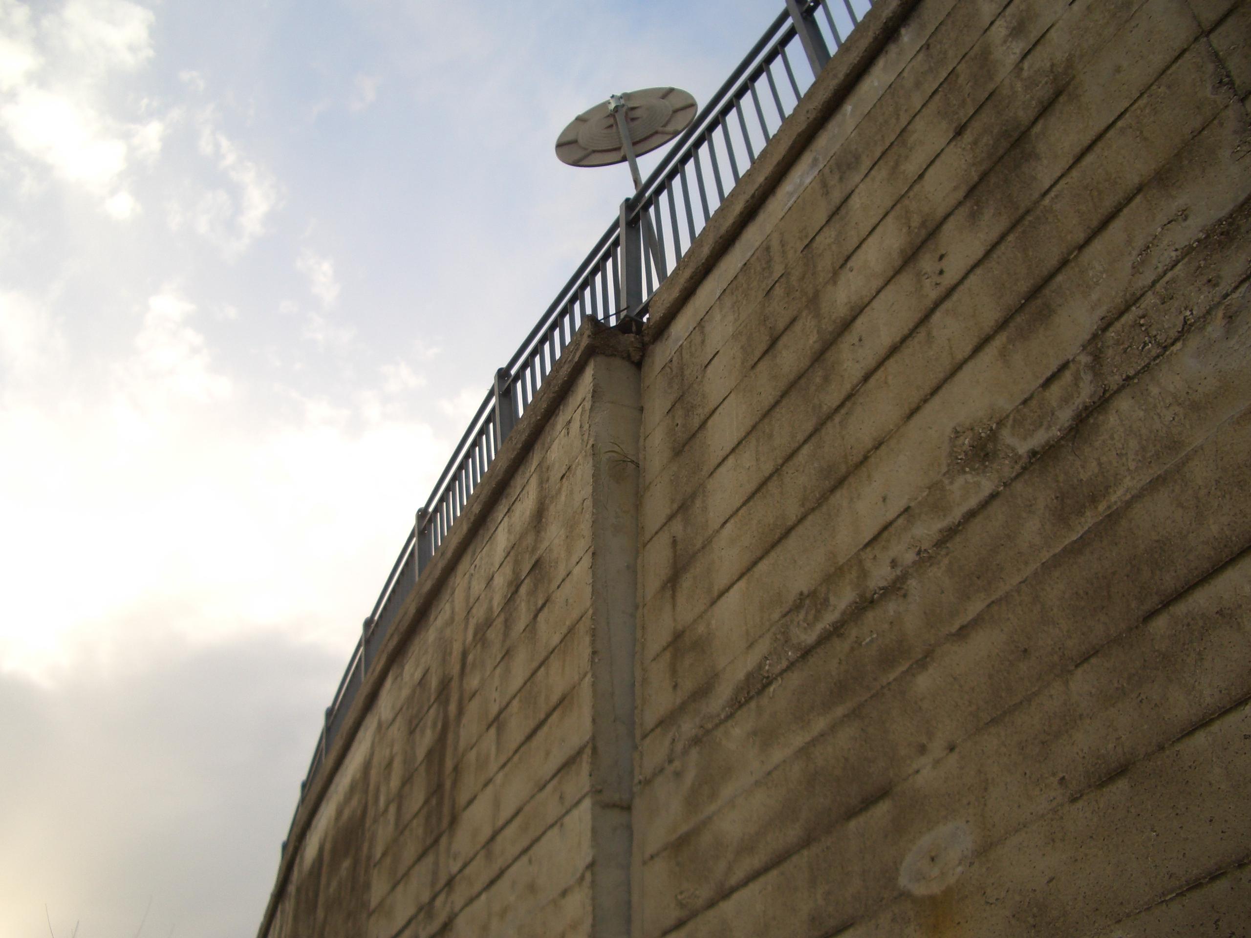 Monticelli, via che sprofonda tra via delle Begonie e Largo dei Fiordalisi 4