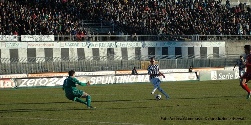 Ascoli-Varese, Zaza porta l'Ascoli in vantaggio (giammusso)