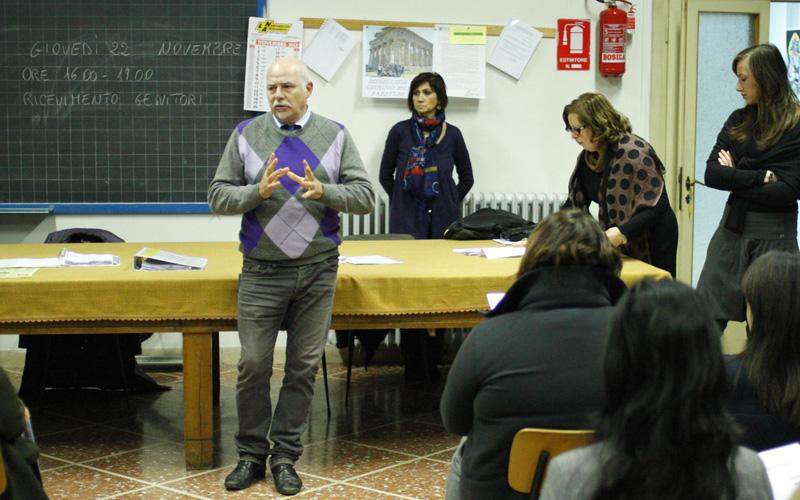 Stefano Girolami durante il Progetto ProMe alla media Massimo D'Azeglio
