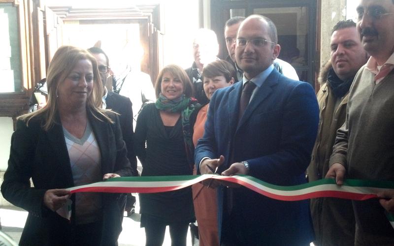 Taglio del nastro, Guido Castelli inaugura l'Urpjpg